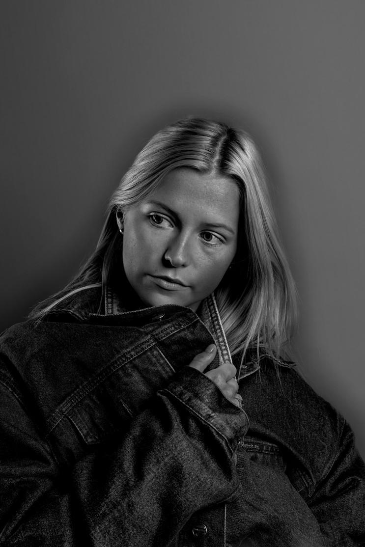 Lara Marshall