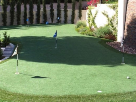 Benefits of Installing a Backyard Putting Green