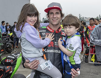 Dan Kruger with kids winning 2019 China