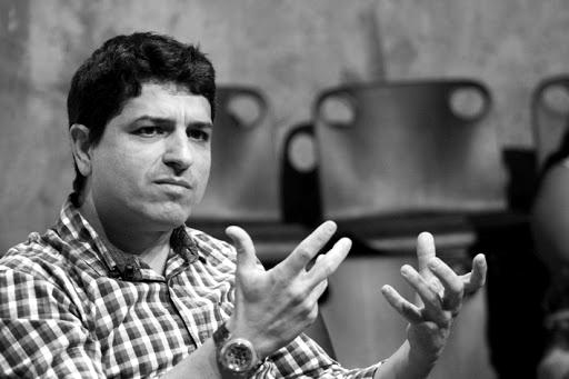 Altair Martins - Escritor e professor de Literatura da Escola Apoio, de Caxias do Sul, e dos cursos de Letras e Escrita Criativa da PUCRS.