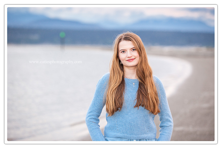 kitsap-senior-portrait-water-mountains