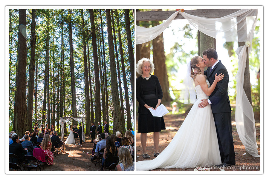 wooded wedding ceremony poulsbo