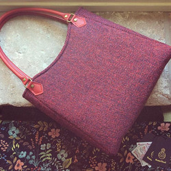 The Curvy Top Tote