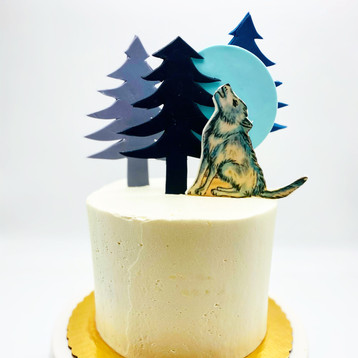 Custom Wolf Howling at the Moon Cake