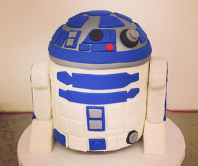 R2-D2 Starwars Custom Cake