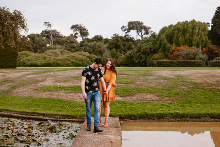 Andersons Park engagement photos in Invercargill