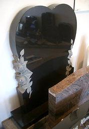 Heart-shaped-headstone-invercargill