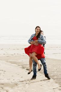 Invercargill Oreti Beach engagement photos