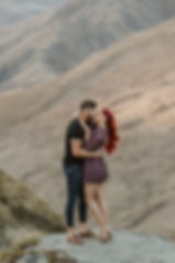 Couple-kiss-in-Queenstown-NZ