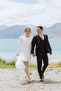 Wedding day at the Lookout Lodge in Wanaka