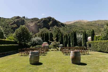 Wedding day at the Winehouse in Queenstown