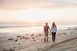 Oreti-beach-engagement-at-sunset.jpg