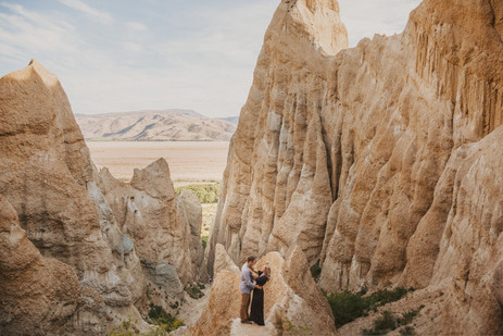 Sunset engagement at the Clay Cliffs in Omarama