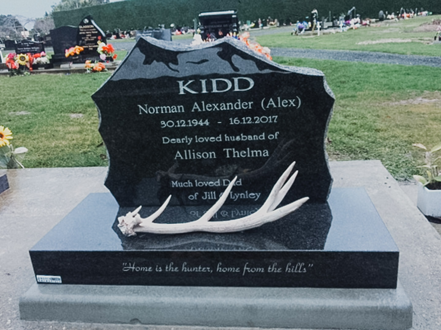 Deeer Hunter Themed Headstone
