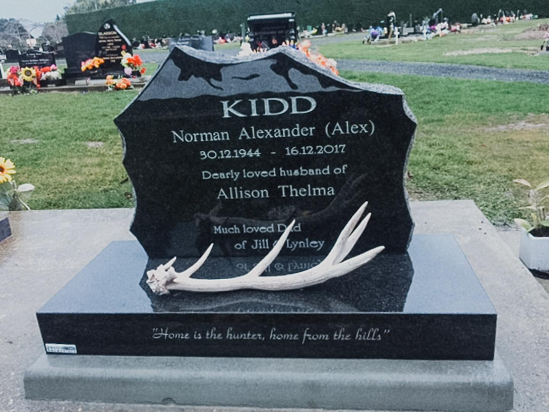 Deeer Hunter Themed Headstone