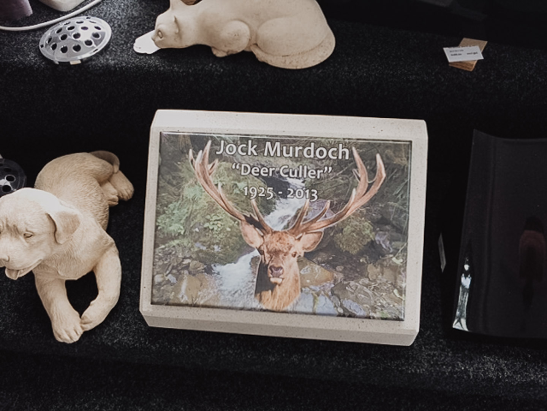 Hunter Themed Memorial Plaque in Invercargill