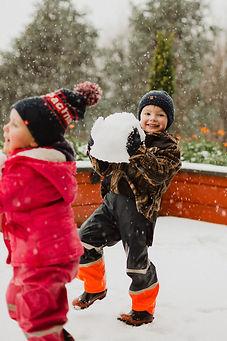 family-photos-in-the-snow-invercargill.j