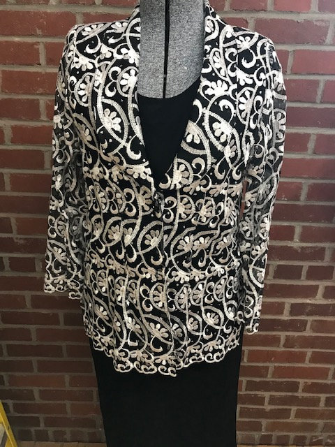 T 2065 Tuxedo Style Lace Jacket