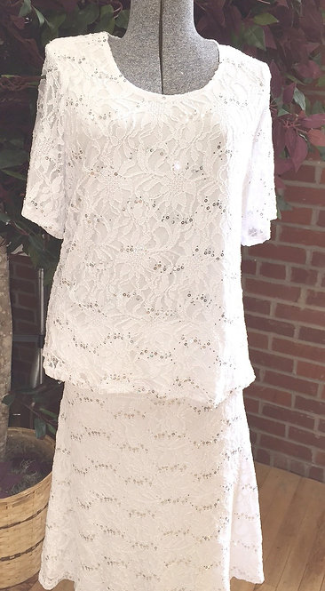 T3243 Short sleeve Lace Top and Matching Skirt