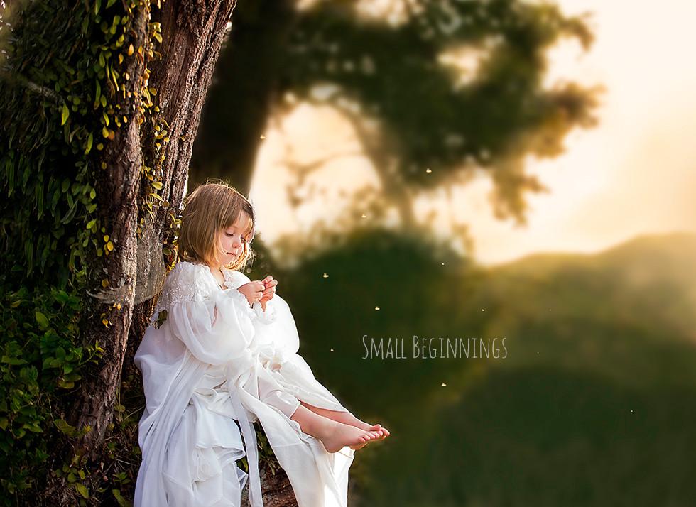 smallbeginnings-fineartfotografie-babyfotografie-baumelfe-hamburg.jpg