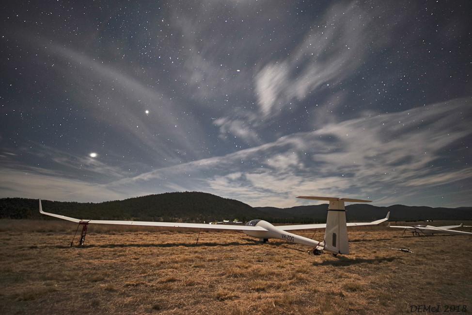 ZDG under starlight and moonlight. Venus over wing.