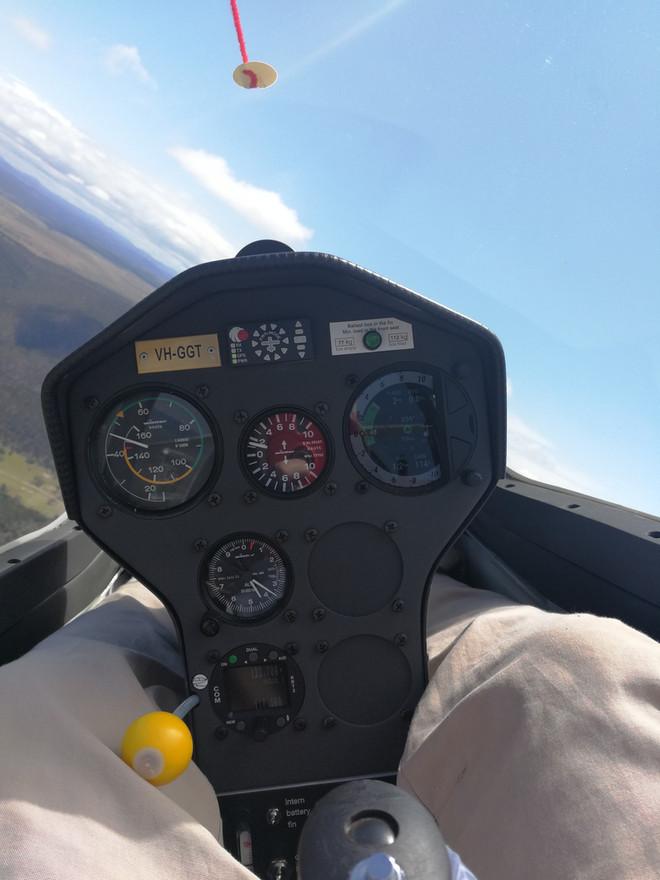 Front cockpit view, VH-GGT, DG-1001S