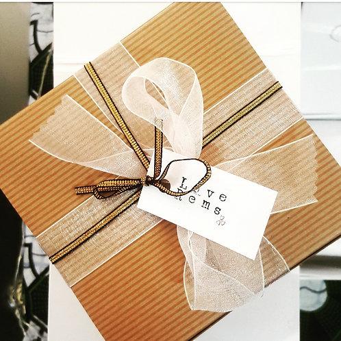 LoveRems Gift Box - Med