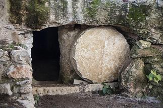 empty-tomb-3326100_960_720.webp