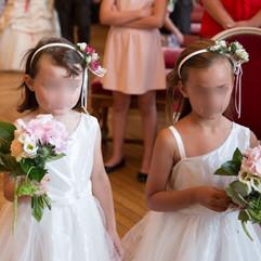 Bouquet de demoiselle d'honneur et ruban fleuri