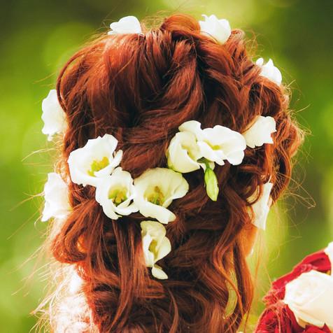 Fleurs montées sur épingles