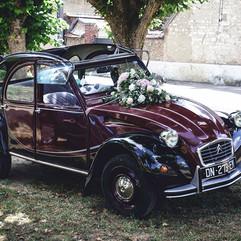 La voiture des mariés - Fleurir une 2CV