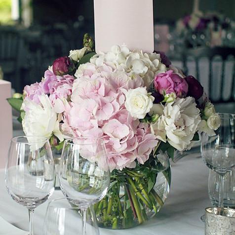 Bouquet d'Hortensia dans vase boule