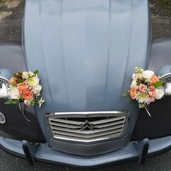 La voiture des mariés - Fleurir une 2 CV