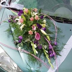 Capot de voiture des mariés