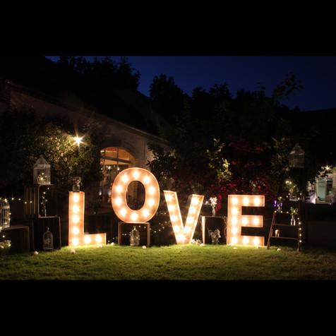 LOVE lumières LED