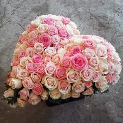 coeur-fleurs-roses-deuil-livraison-monet