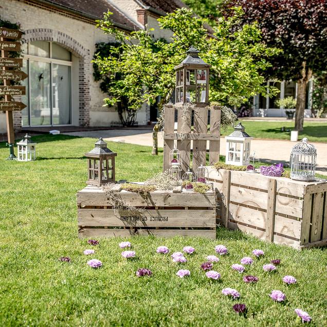 decor-caisses-bois-mariage-location-fleu