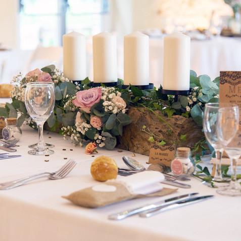 Centre de table bougies et fleurs