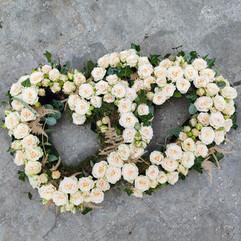 coeur-fleurs-blanches-deuil-livraison-mo