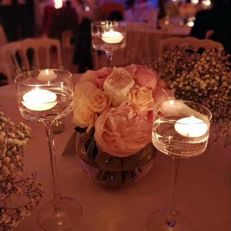 Bouquet de pivoines et photophore