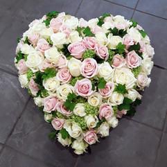 coeur-fleurs-deuil-obseque-auxerre.jpg