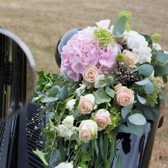 Voiture des mariés - Fleurir une traction