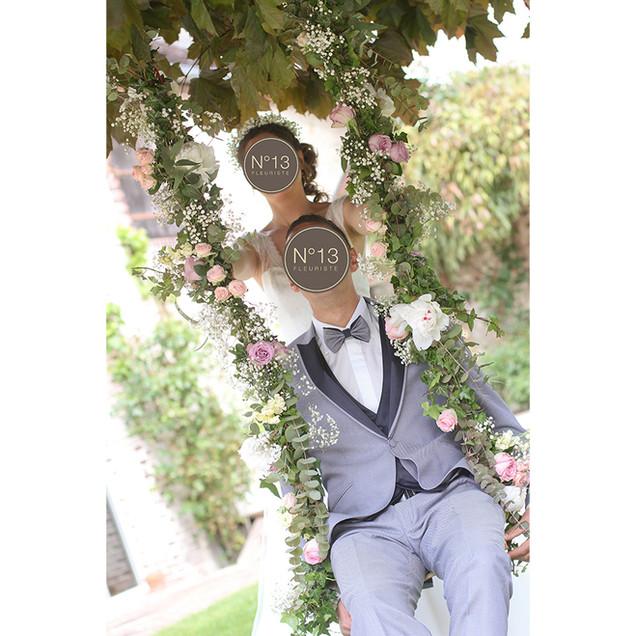 balancoire-fleurie-mariage-romantique-fl