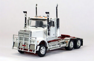 Western Star 4800 Day Cab in White