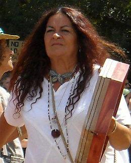 """Dana Tir - Instructora de """"Despertando el Corazón Iluminado"""""""