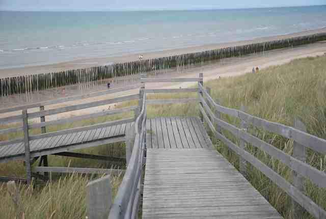 Chemin accès plage des Ecardines