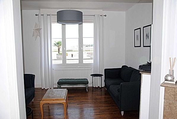 Salon vue sur le chenal de la maison bouteillealamer.fr pour un séjour et une location sur la côte d'Opale en vacances à Gravelines, Fort Philippe
