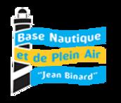 De l'autre côté du chenal en face de la rampe à bateaux, la Base Nautique & de Plein Air Jean Binard