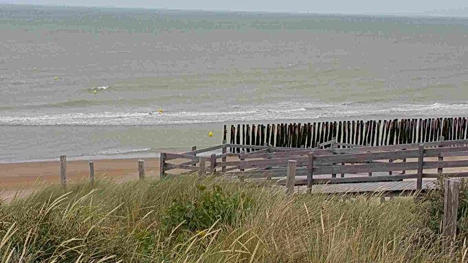 Accès à la plage des Escardines depuis la réserve naturelle du platier d'Oye - Sejour et location - Vacances à Gravelines - Maison à louer