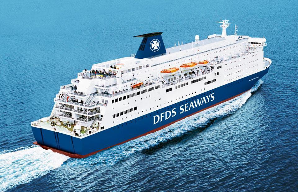 Ferry DFDS à proximité de la location de la maison vue mer à Gravelines